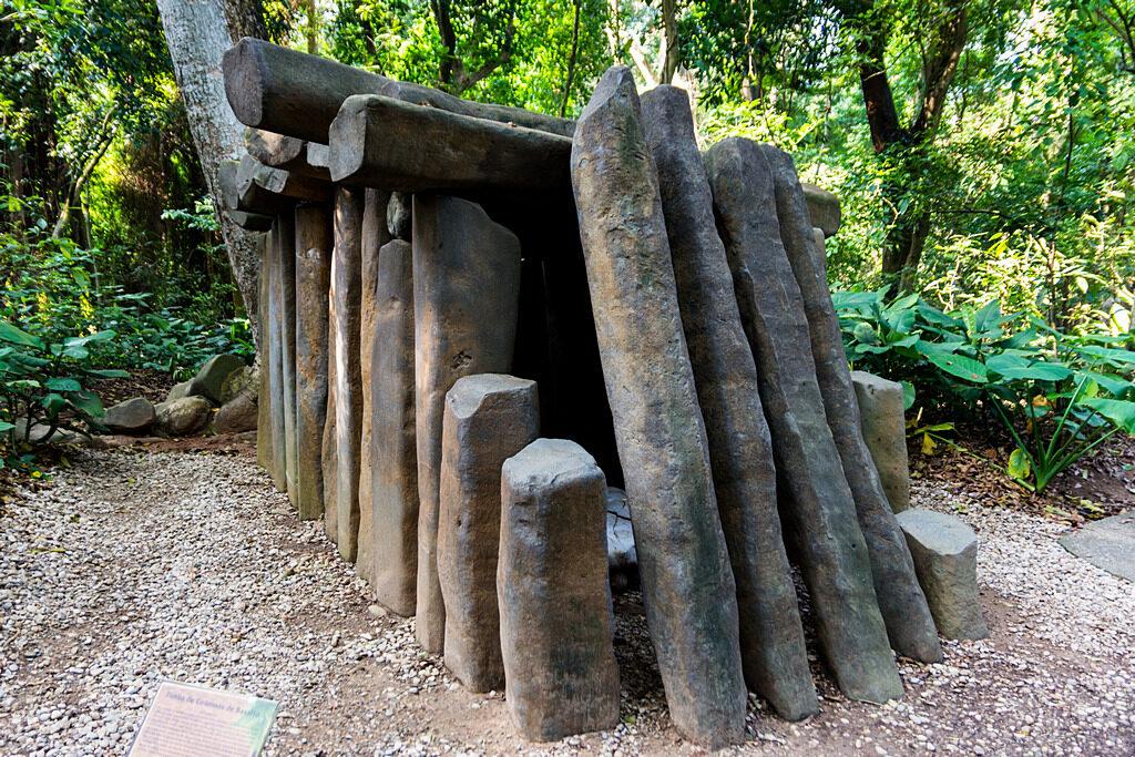 Bazaltowy grobowiec w La Venta