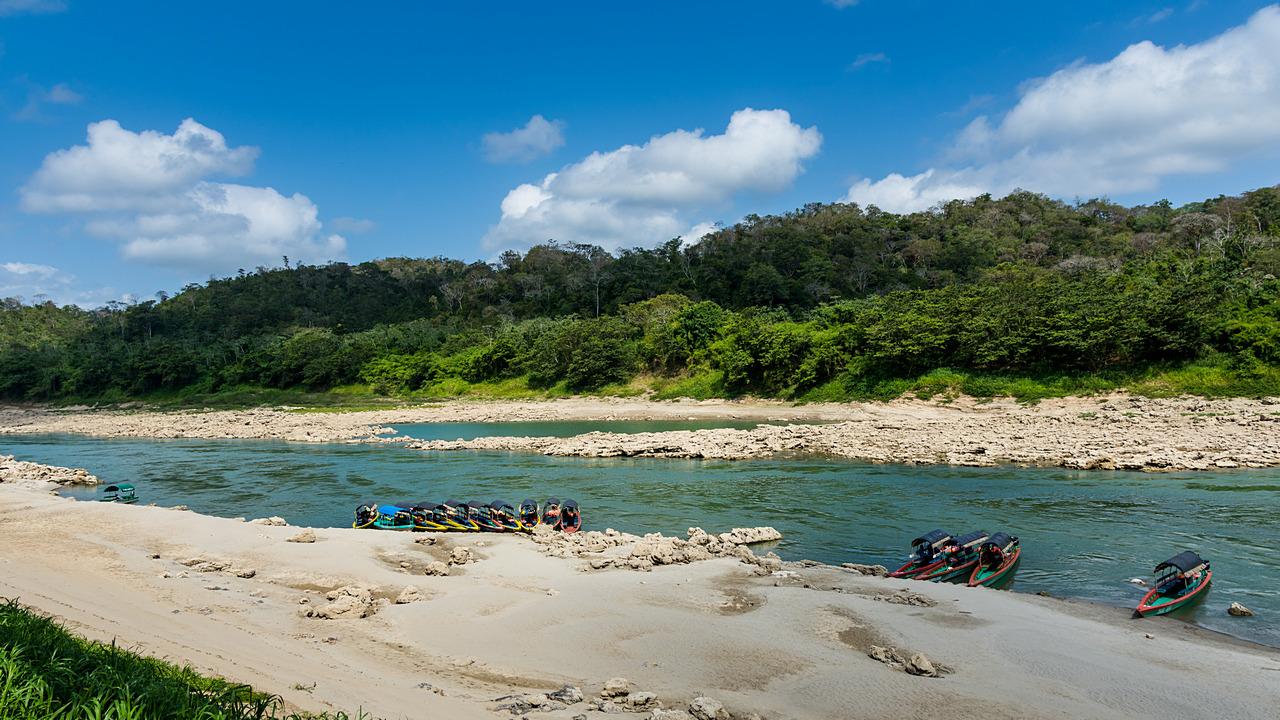Lonchas na wartkiej rzece Usmancita