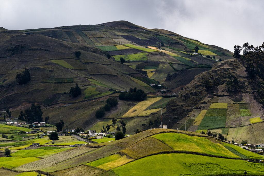 Krajobrazy w drodze do Quilotoa