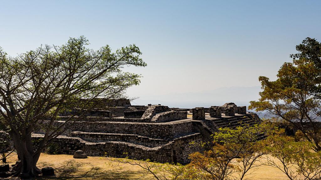 Xochicalco Piramida Steli