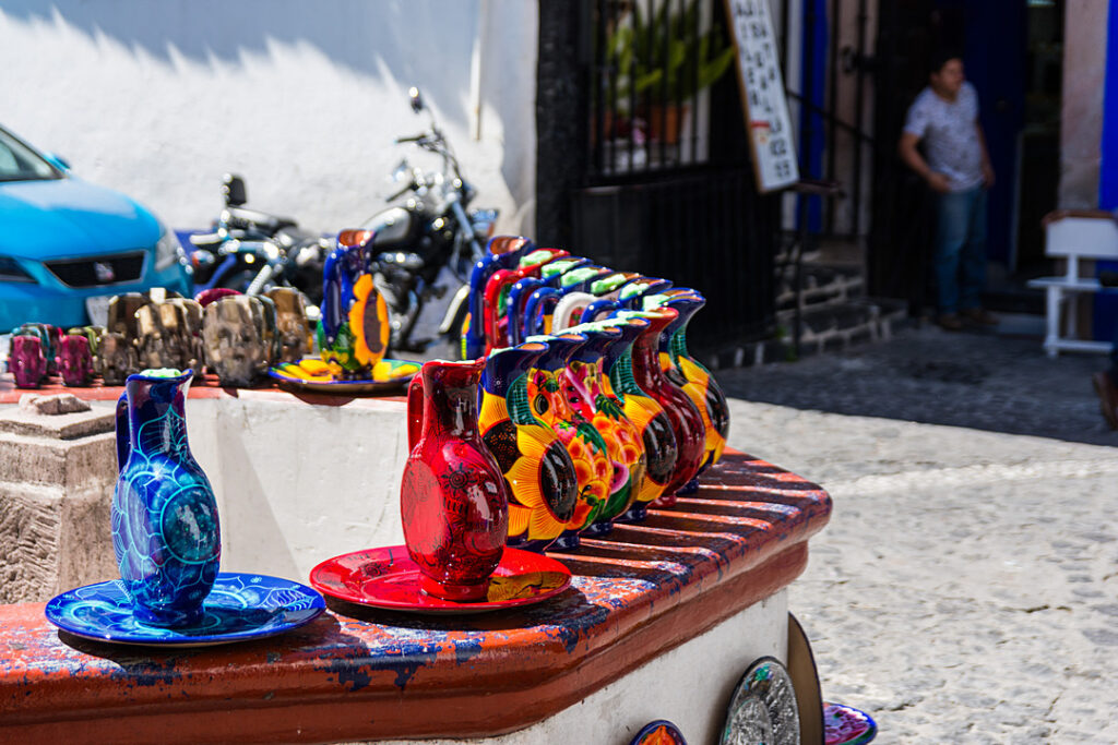 Stoisko z ceramiką w Taxco