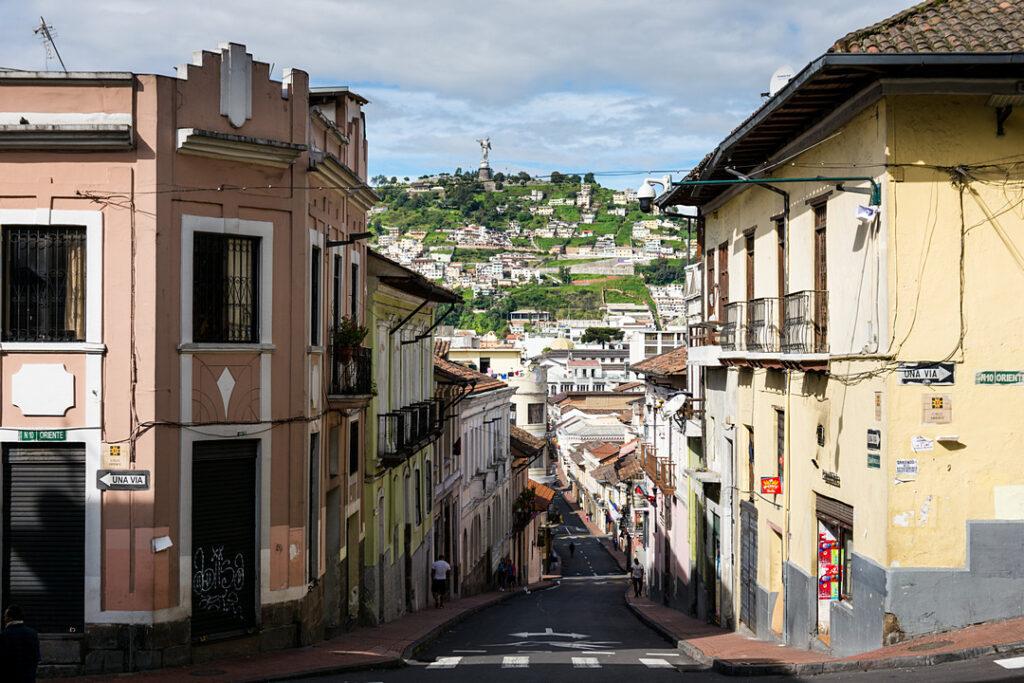 Widok na wzgórze El Panecillo