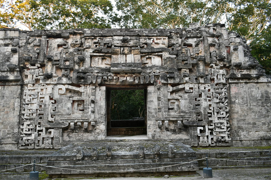 Chicanna Struktura II zwana Domem Wężowych Ust