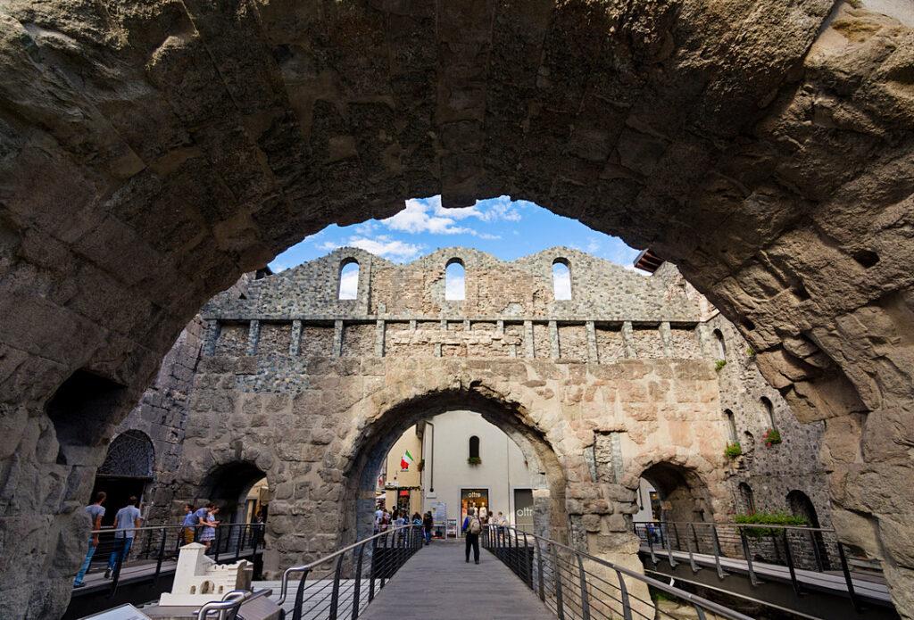 Aosta, Porta Pretoria