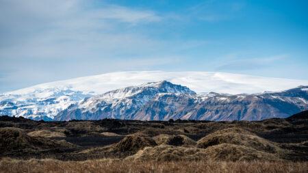 Pola lawy oraz lodowiec Mýrdalsjökull